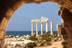 side-ruiny-hrama